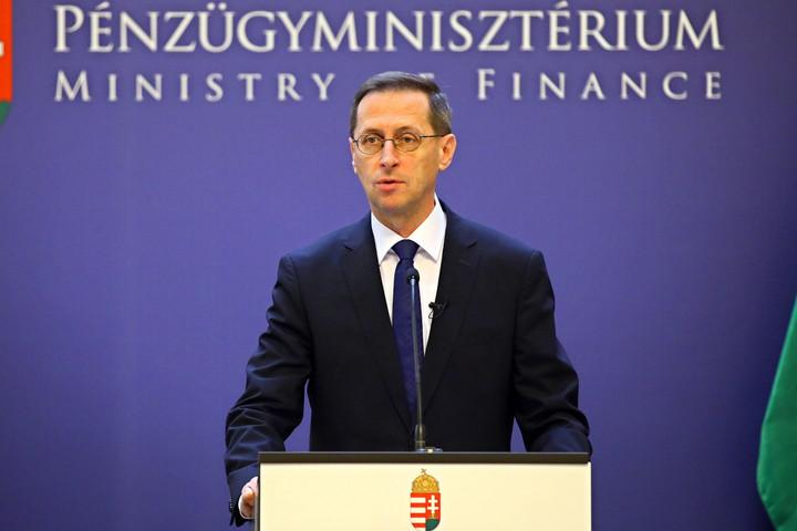 Varga Mihály: 2010 óta 50 százalékponttal csökkentettük a jövedelemadókat