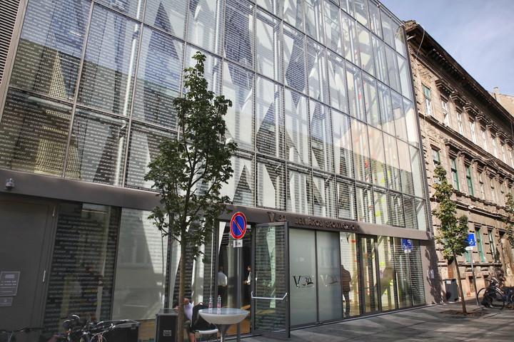 Megnyitott az V.30 Belvárosi Sportközpont