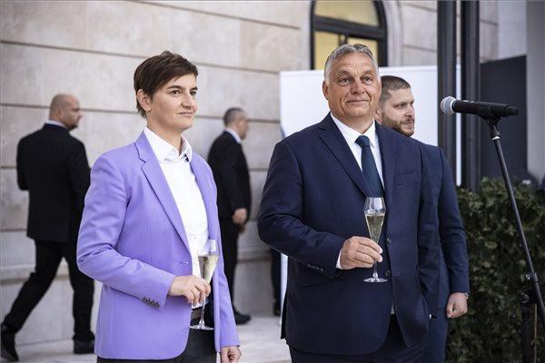 Orbán Viktor Budapesten fogadta a szerb miniszterelnököt és delegációját