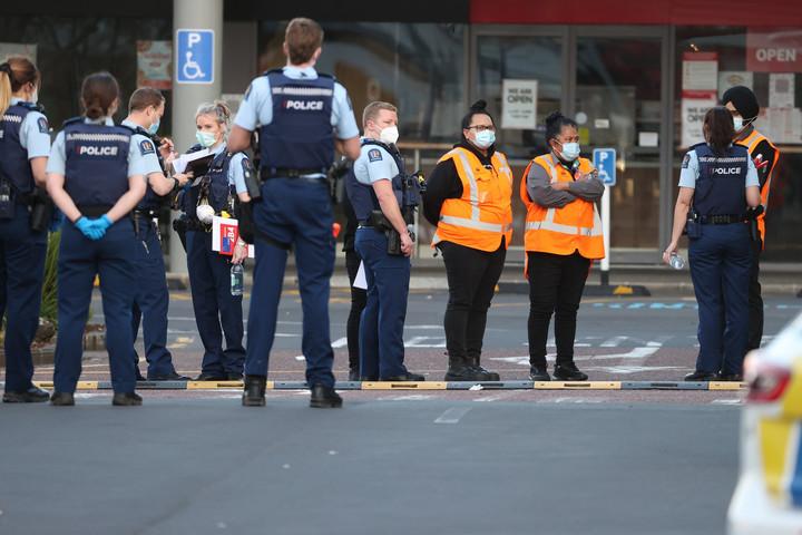 Dzsihadista késelt egy új-zélandi bevásárlóközpontban
