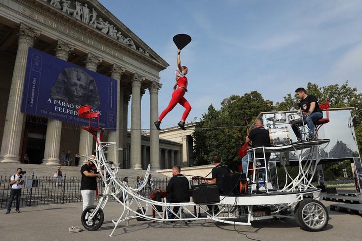 Szabadtéri kiállítás nyílt a Szépművészeti Múzeum előtt