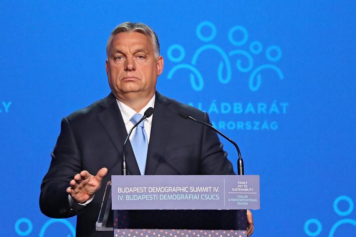 Orbán: A Nyugat nem akarja fenntartani önmagát