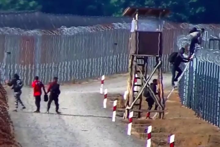 Éjjel-nappal próbálnak bejutni illegális bevándorlók Magyarországra