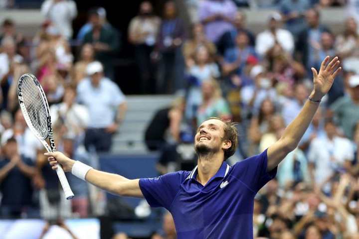 Medvegyev a bajnok, Djokovicnak nem lett meg a naptári Grand Slam