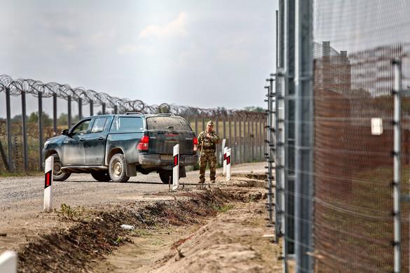Egyre több migráns próbál átjutni a déli határon
