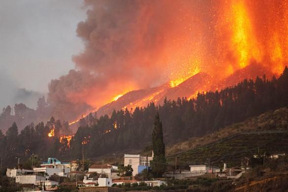 Ötven éve szunnyadó vulkán tört ki La Palmán