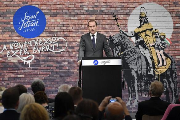 """""""Elkerülhetetlen a kereszténység és a liberalizmus harcának megvívása"""""""