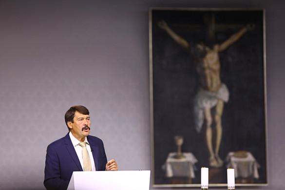 Áder: Isten keresése, befogadása cselekvő aktivitást jelent