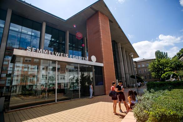 A világ 300 legjobb egyeteme közé került a Semmelweis Egyetem