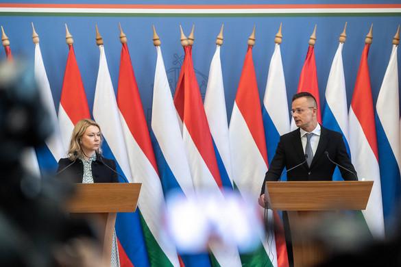 Aláírták az új gázvásárlási szerződést a Gazprommal