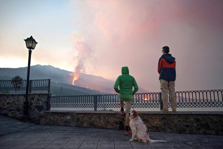 Nem nyugszik a vulkán