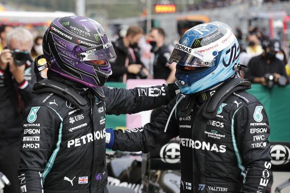 Hamilton nyerte az időmérőt, de Bottas indulhat az élről