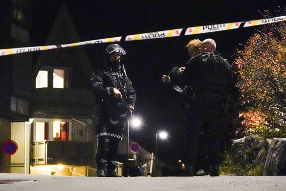 A kongsbergi ámokfutó valószínűleg szúrófegyverrel ölte meg áldozatait