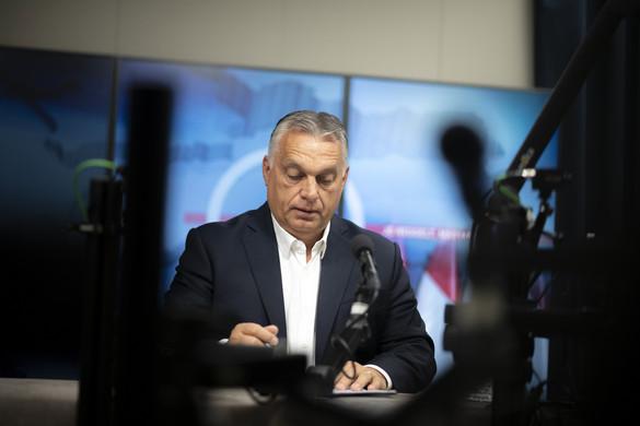 Orbán: Ki kell tartani a rezsicsökkentés mellett