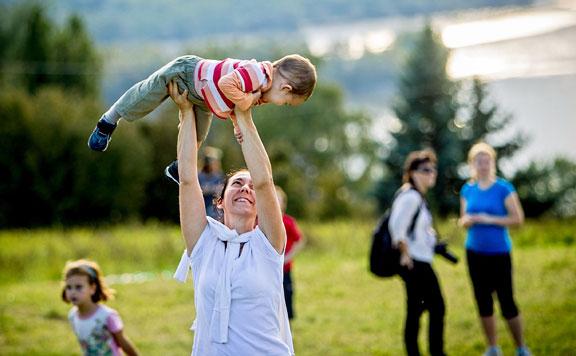 Már érzékelhető a magyar családpolitika eredményessége