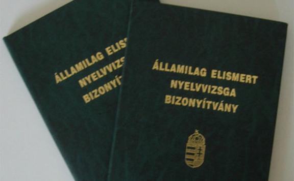 Továbbra is támogatja a kormány a fiatalok nyelvvizsgáját