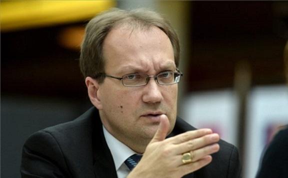 Hoppál Péter: Kunszt Márta DK-s pécsi önkormányzati képviselő mondjon le!
