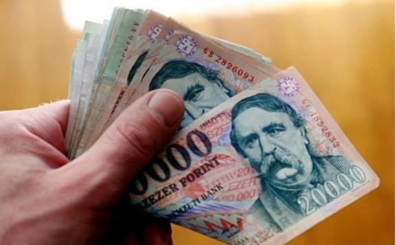 A készpénzhasználat 400-450 milliárd forintba kerül évente az országnak