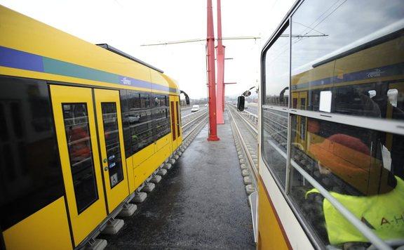 Vészfékezés miatt sérültek meg utasok az 1-es villamoson