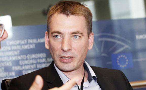 Fidesz: A bevándorláspártiak a nyugdíjasok megélhetését is veszélyeztetik