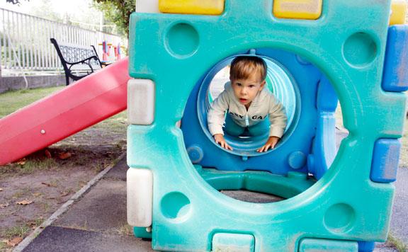 A bölcsődei férőhelyek bővítése lehetővé teszi, hogy egyre több szülő állhasson újra munkába