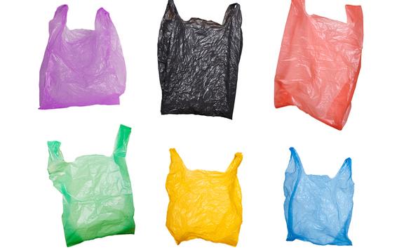 A kormány támogatja az egyszer használatos műanyagok kivezetését