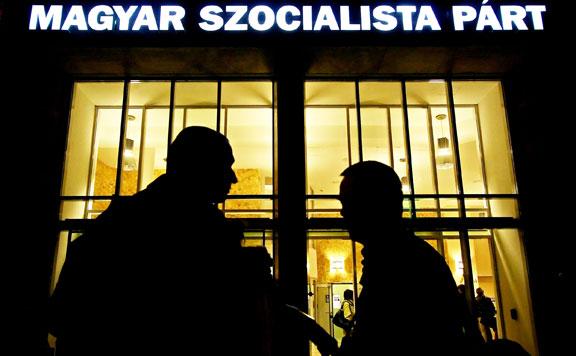 Megtorlás a szocialistáknál: lecserélnék a megyei vezetést