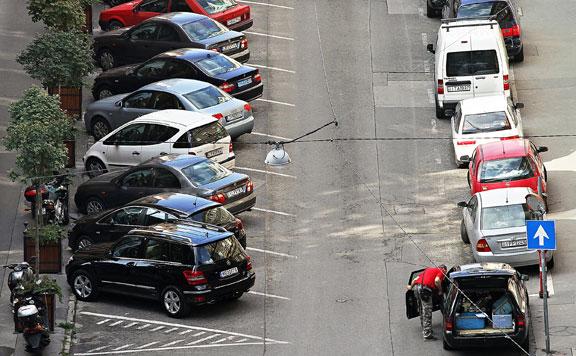 Fidesz: Növekszik a káosz a zuglói parkolási ügyben