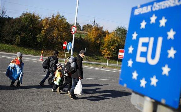 Ausztria májusig meghosszabbítja a határellenőrzéseket a szlovén és magyar határszakaszokon