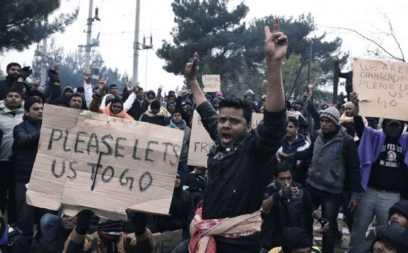 Hamarosan útnak indulhat a migránskaraván Görögországból