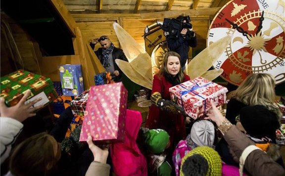 Megkezdődött az Angyalváró-Cipősdoboz adománygyűjtés