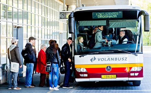 Volánbusz: Jön a nyári iskolaszüneti menetrend