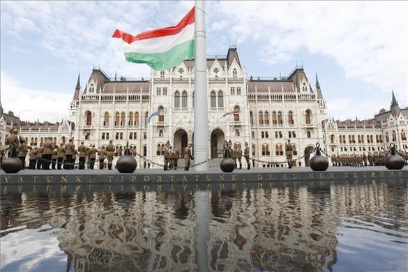 Idén a zászlófelvonás lesz a központi esemény az 1956-os forradalom emléknapján