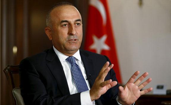 """Cavusoglu: Még nem vonultak ki teljesen """"a terroristák"""" a határ menti sávból"""