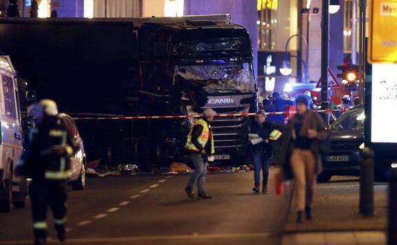 teherautó_berlin576