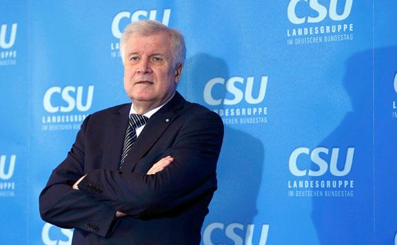 Seehofer szerint eredményes a német kormány menekültpolitikája