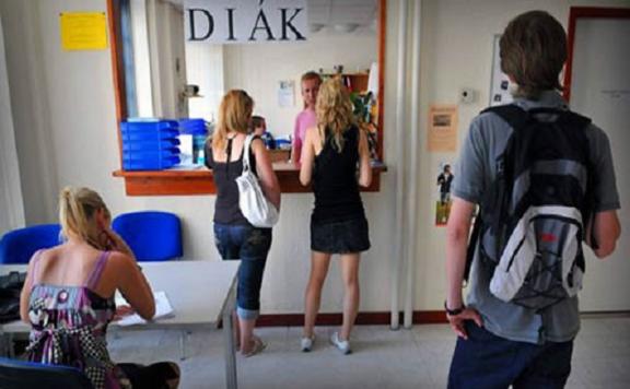 Átlagosan nettó 1200 forint órabér körül kereshetnek a diákok