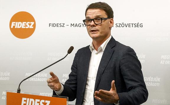 Fidesz: A balliberális kormányok idején segélyekre kárhoztatták a magyar polgárokat
