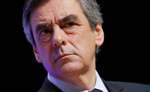 Bíróság elé kell állnia Fillon volt francia kormányfőnek és feleségének
