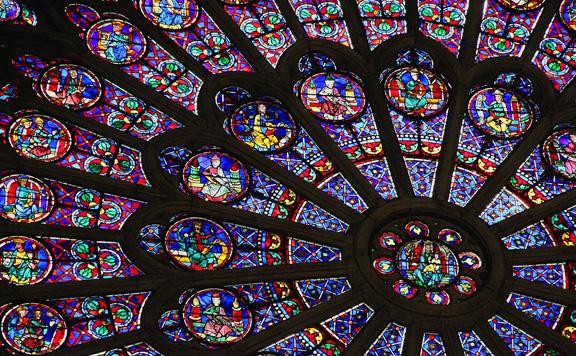 Egy raktárban bukkantak rá a Notre-Dame összetört órájának másolatára
