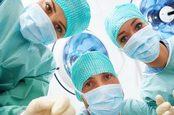 Az előírások betartásának elmaradása okozta a szemműtétek utáni fertőzéseket Budaörsön