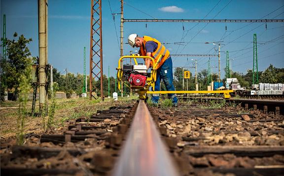 Megkötötték a szerződést a Budapest-Belgrád vasút fejlesztésére