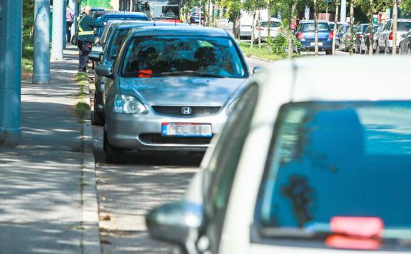 Applikáció segíti a parkolást Budapest belvárosában