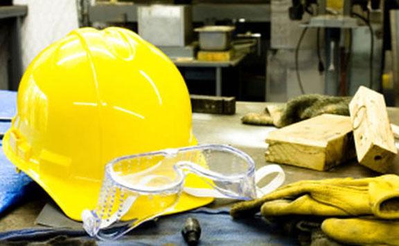 Jelentősen csökkent tavaly a munkahelyi balesetek száma