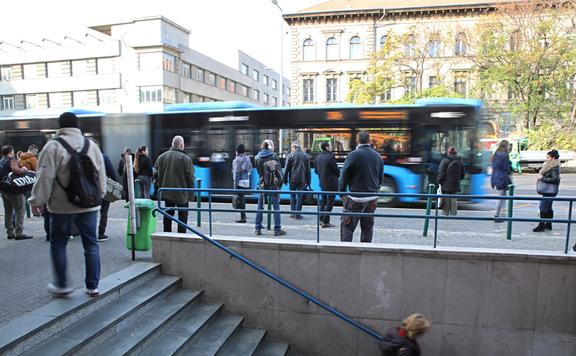Változik a fővárosi tömegközlekedés menetrendje október 23-án