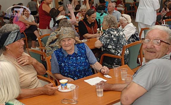 A CÖF-CÖKA gyűjtést indít az állami idősotthonok segítésére