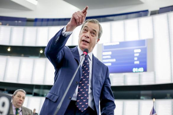 Továbbra is népszerű Farage Brexit Pártja