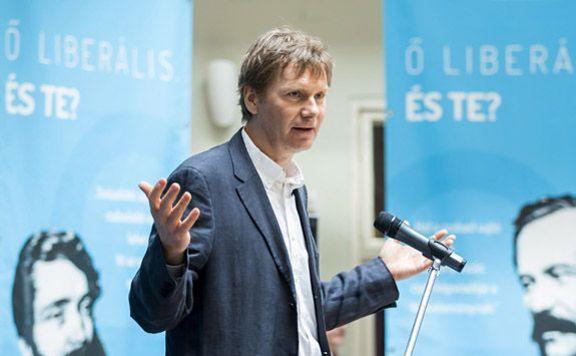 Fodor Gábor távozik a Magyar Liberális Párt éléről