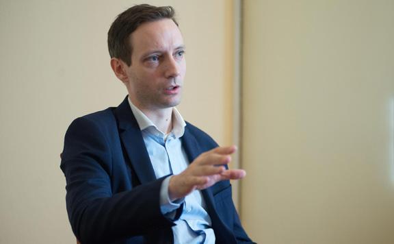 Azbej Tristan: A migráció támogatása helyett a megelőzése a cél