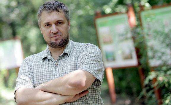 Elítélte a bíróság a Hadházyt felborító egykori LMP-s képviselőt